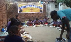 School kids eating lunch (India)